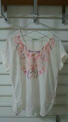 ページボーイ  刺繍トップス  オフホワイト  サイズM