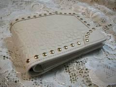 DRESS CAMPドレスキャンプGスタッズ白クロコ折財布 男女兼用タイプ