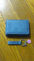 新品クレイサス☆型押カメリア折り財布