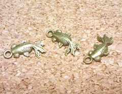 金魚チャーム平3個金古美