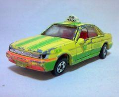 絶版トミカ��109 ブルーバードタクシー日本製