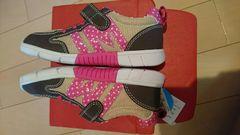 新品タグあり、19センチ靴!IFME.