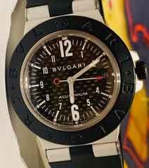 良品ブルガリアルミニウムメンズ時計AL38TAクオーツ稼働カーボン
