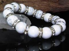 ハウライト12ミリ§金ロンデル数珠