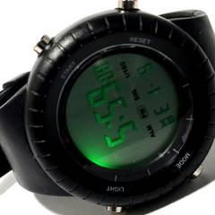 極美品【980円〜】SUUNTOのような大型 ALL BK メンズ腕時計