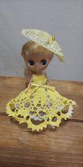 プチブライス黄色のレース編みドレス