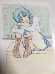 自作イラスト色鉛筆セ-ラ-マ-キュリ-教壇.脚を抱えてパンチラッ