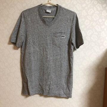 中古 超美品  プーマ   V首  シャツ 半袖 Tシャツ メンズ