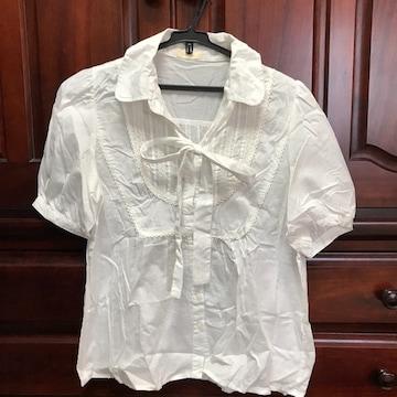 美品 プーラフリーム リボンタイ付きシャツブラウス 白ブラウス