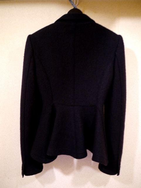 美品◆ARMANIアルマーニ フレアデザインジャケット 黒36◆コート < ブランドの