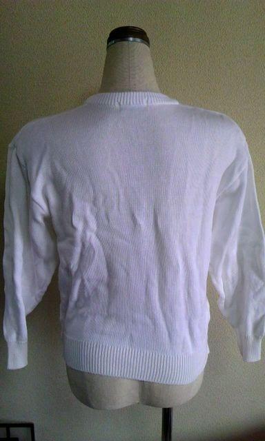 白Vネックニット綿100%M < 女性ファッションの