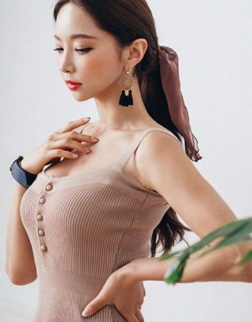 胸元セクシー★タイト★ニットミニ ワンピース(ベージュ) < 女性ファッションの