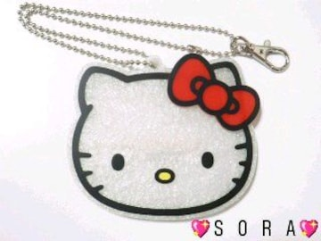 【キティ】可愛いチェーン&フック付♪アクリルパスケース