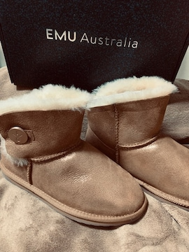 EMU Australia ラメキラキラ暖かいブーツ新品タグ付き2万位