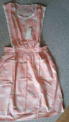 ベルメゾン新品エプロンジャンバースカート風ピンクに薔薇丈100�a