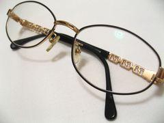 VERSACEヴェルサーチ.元祖ゴージャスブランドの激レア眼鏡フレーム現在度入りレンズ
