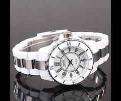 ■■新品♪OHSENデザイン腕時計ホワイト/白☆超軽量モデル
