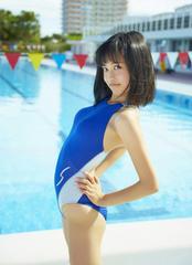 ■小島瑠璃子■水着 胸を張って 生写真(即決)1
