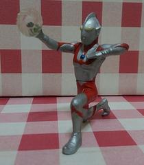 『ウルトラマン(八つ裂き光輪)』HG ウルトラマン