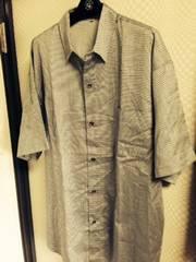 シルバーグレーの柄入り半袖シャツXL美品