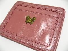 ANNASUIアナスイ蝶シンボル.ピンクカラー&内張り花柄フラワー.お洒落なパス&カード入