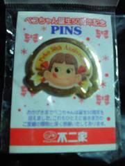 不二家 ペコちゃん 誕生 50周年 記念 限定 PINS ピンバッジ