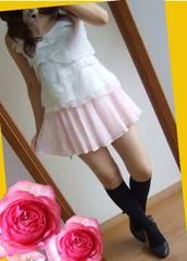 72新品★LIPSERVICE ピンクレース★甘く可愛いショーパン