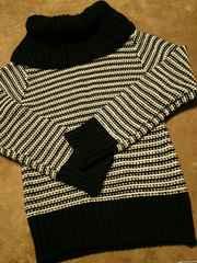 ウール100オフタートルネックニット厚手セーターボーダー柄黒白