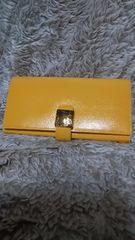 黄色の長財布
