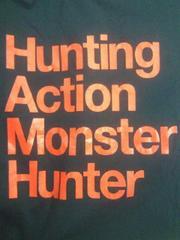 モンハン モンクロ モンスターハンター ユニクロ コラボ 英字 デザイン Tシャツ ネイビー XL