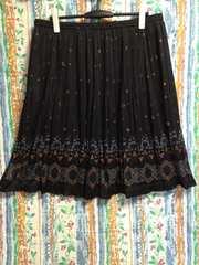 4L  可愛らしいプリーツスカート