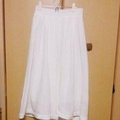 フーズフーチコ*白色ニットフレアースカート