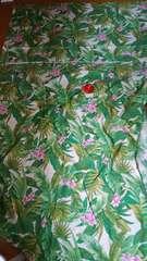ハワイチックな柄テーブルクロスだったのかも102×160位