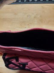 ピンダイの手提げかばんです。新品です。