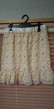 新品☆大きいサイズ☆ヒラヒラ☆素敵なスカート