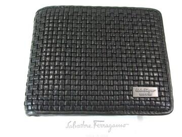 良品フェラガモ二つ折り財布 レザー 黒系