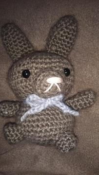 手編みのあみぐるみ、茶ウサギ