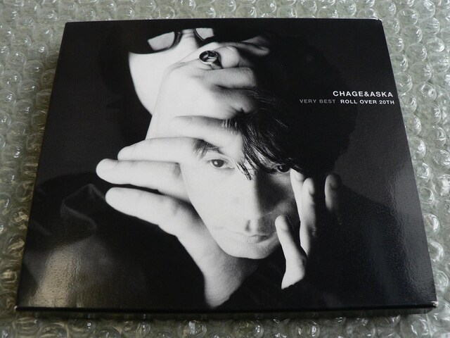 CHAGE and ASKA【VERY BEST ROLL OVER 20TH】2CD(全29曲)ベスト  < タレントグッズの
