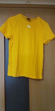 黄色の半袖Tシャツ  古着