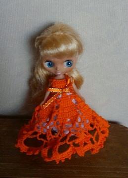 プチブライスオレンジのレース編みドレス