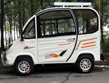 電気自動車4輪ミニカー車 White