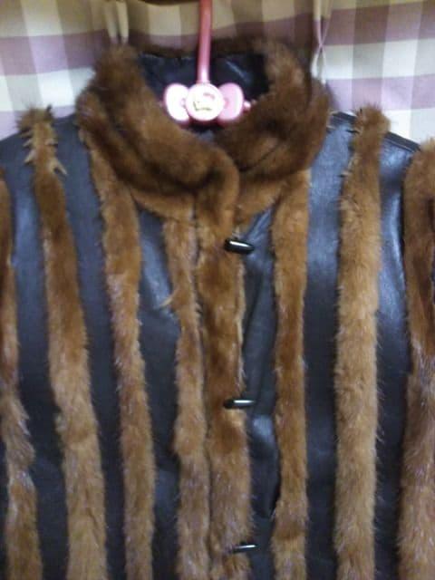 ★毛皮 & レザー コンビオシャレデザイン ジャケット サイズ9 ゴージャス★ < 女性ファッションの