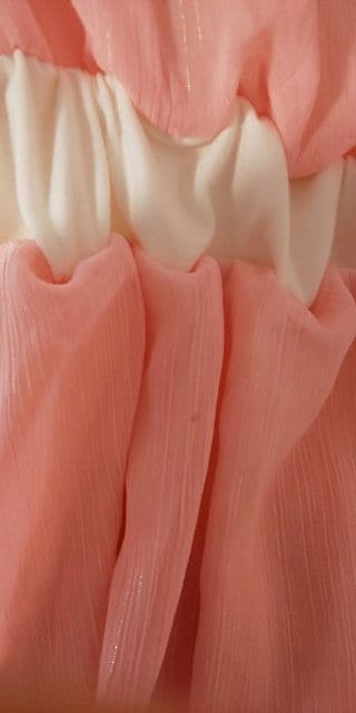 ピンク トップス < 女性ファッションの